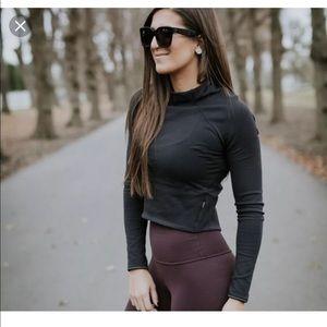 Lululemon sz 2 crop long sleeve top